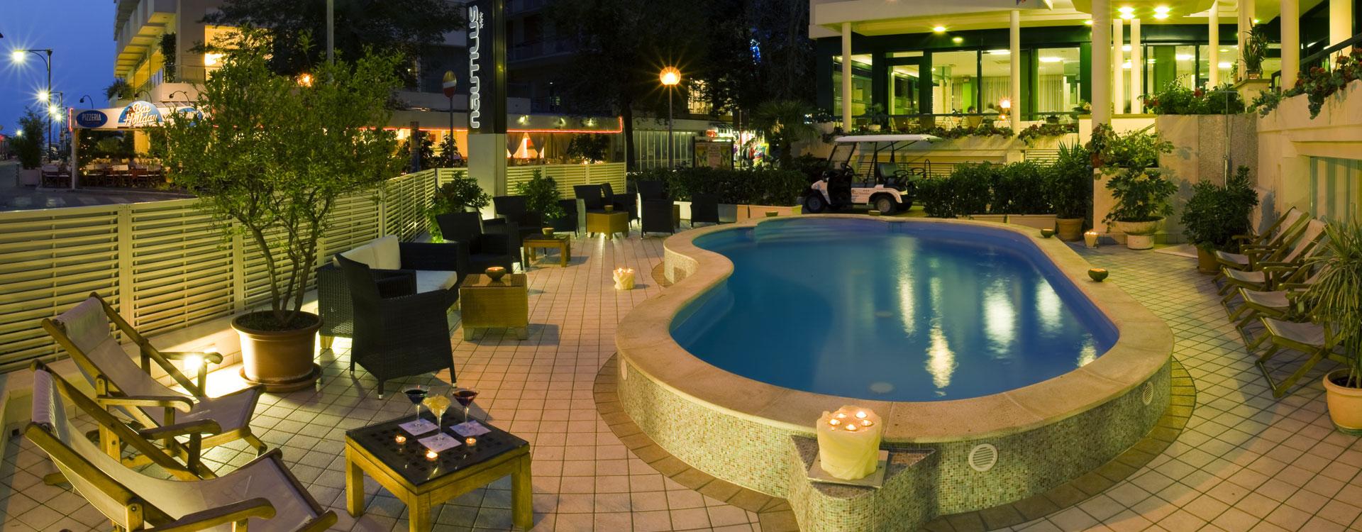 hotel_con_piscina_cattolica